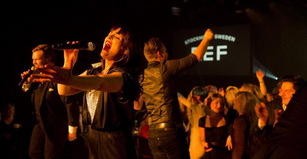 Showbøcks Syngende Servitører live på Geilo